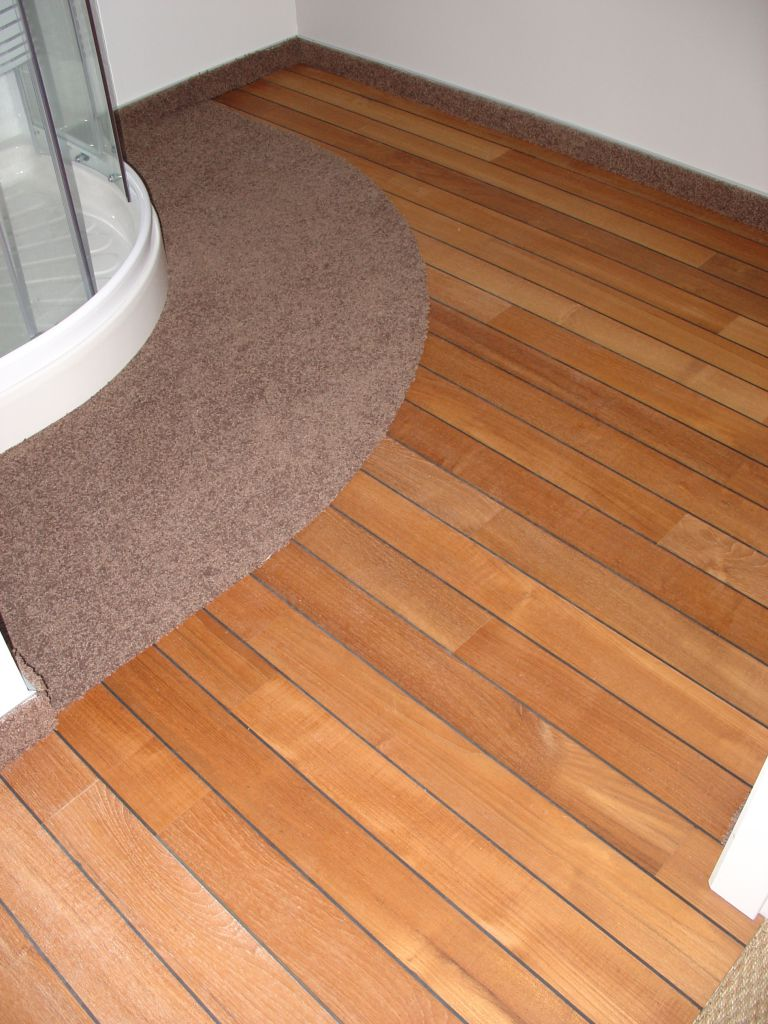 Parquet pose parquet teck huilé pont de bateau